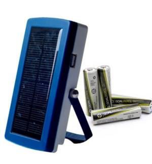 Ηλιακός φορτιστής Μπαταριών ΑΑ και USB με 4 επαναφορτ. μπαταρίες